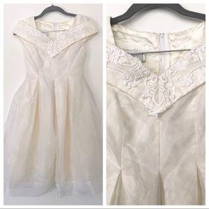 Vtg Jessica McClintock Embroidered Girl Dress 10